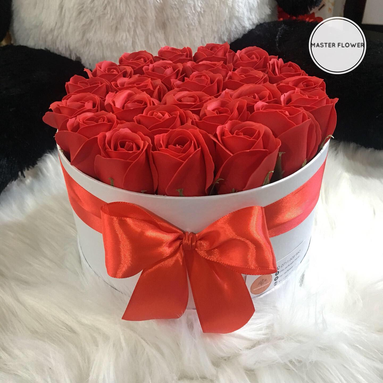 Aranjament cu trandafiri din sapun (L)