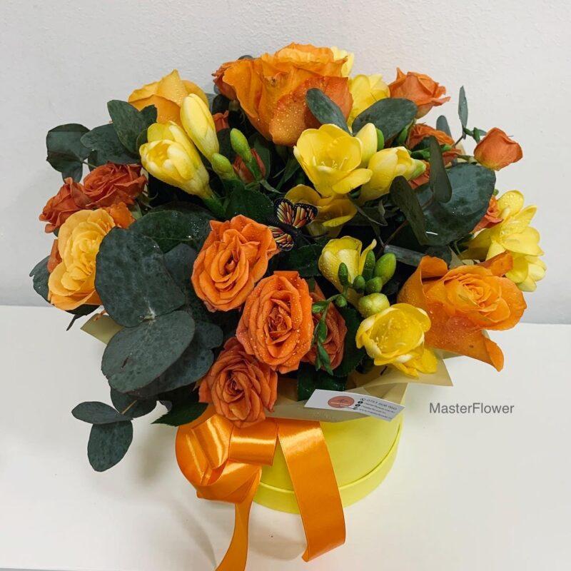 aranjament floral cu tradafiri