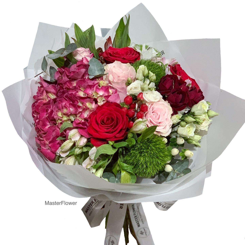 Buchet ocazie cu hortensie si trandafiri (precomanda)