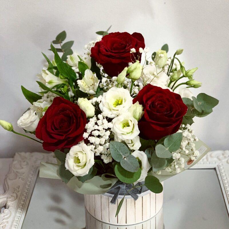 Aranjament mixt trandafiri