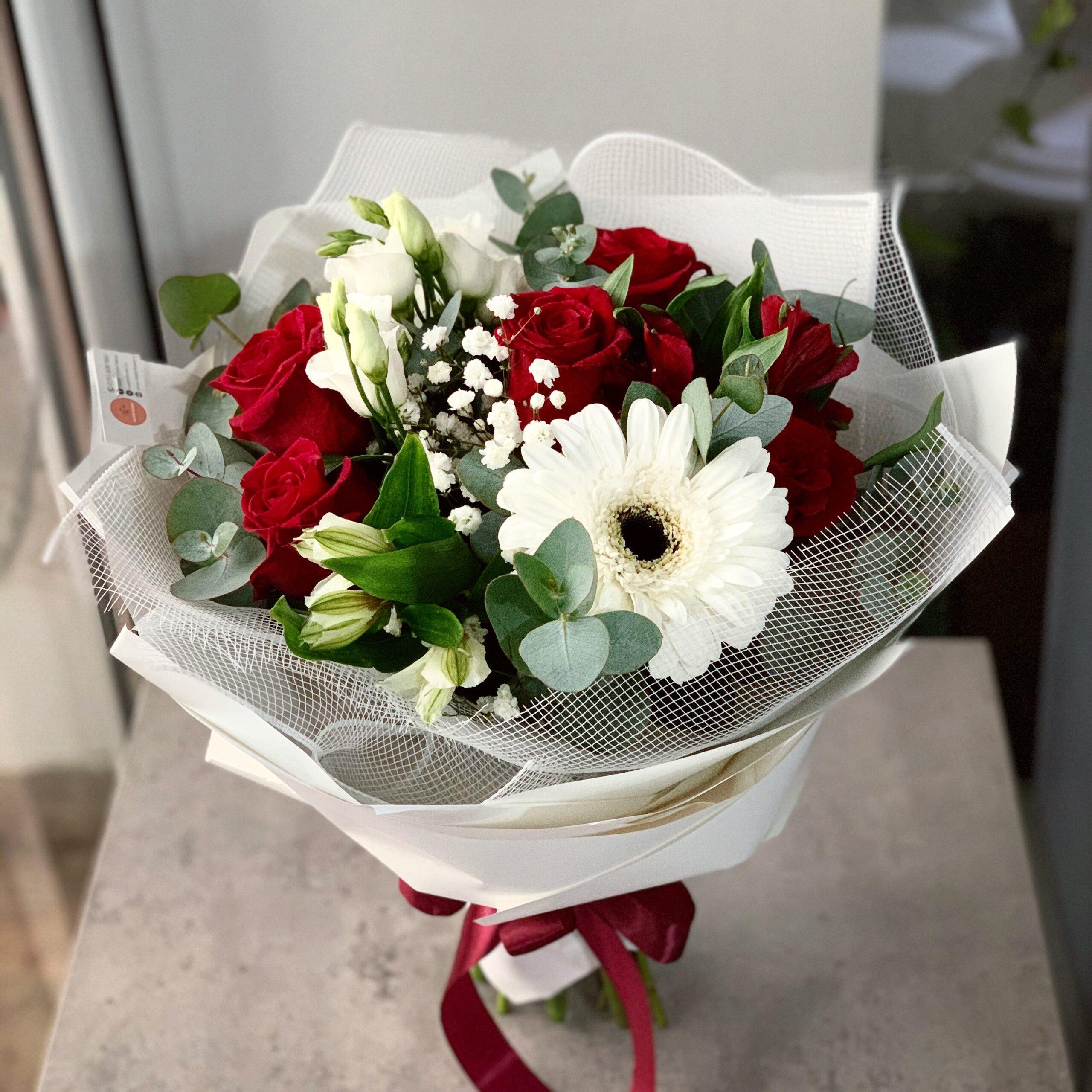 Buchet ocazie cu trandafiri